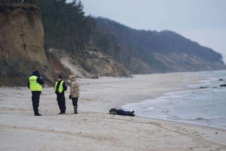 Ciało znaleziono na plaży w okolicach Świętouścia