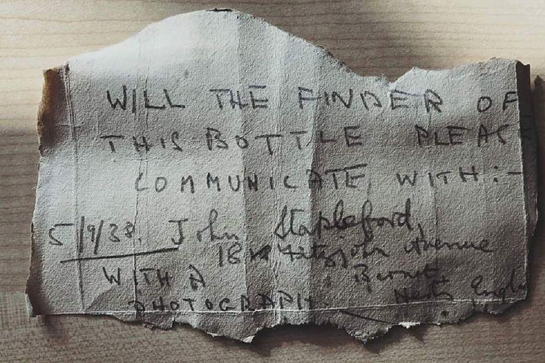 Wyspy Normandzkie. Mężczyzna znalazł list w butelce napisany 82 lata temu