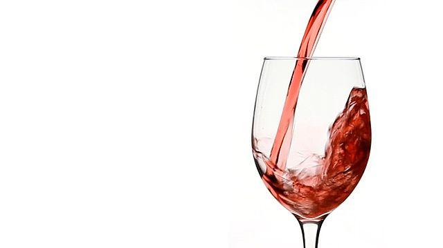 Czerwone wino przeciwdziała nadwadze