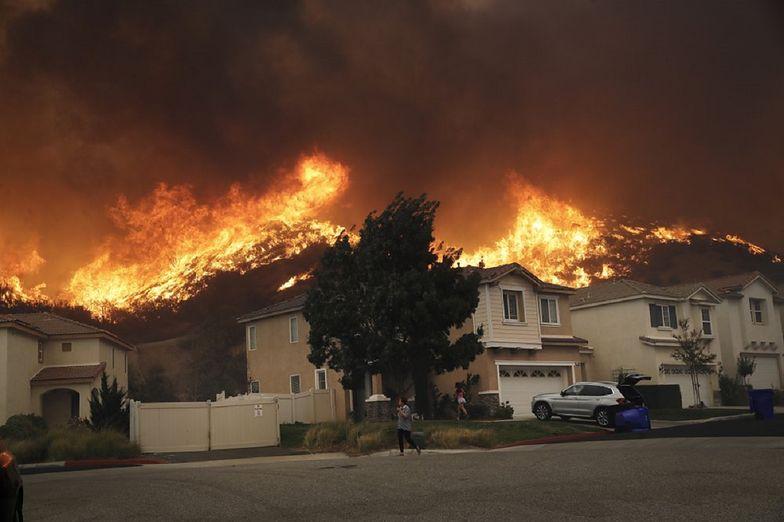 Ogromne pożary trawią Kalifornię. Ewakuowano już 2 tys. osób