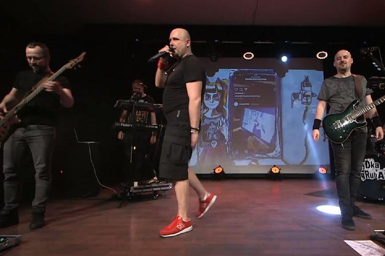 Koncert Łydki Grubasa został przerwany przez policję