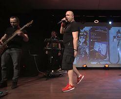 Łydka Grubasa grała koncert online. Policja przerwała występ