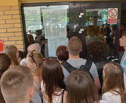 Kraków. Rekrutacja do szkół. 1100 absolwentów dalej na lodzie