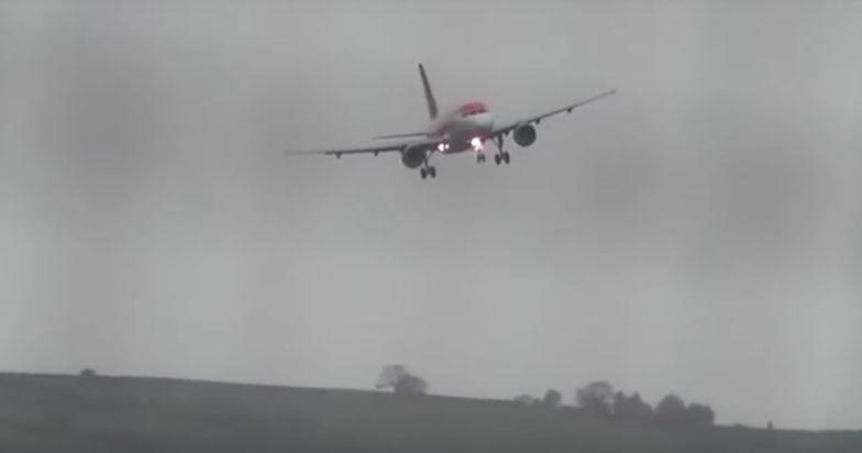 Samolot jak liść na wietrze. Paraliż lotniczy w Anglii