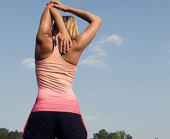 Masz siedzącą pracę? Te ćwiczenia mogą uratować twój kręgosłup!