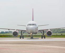 Gdańsk: Chciał otworzyć drzwi samolotu podczas lądowania. Był pijany