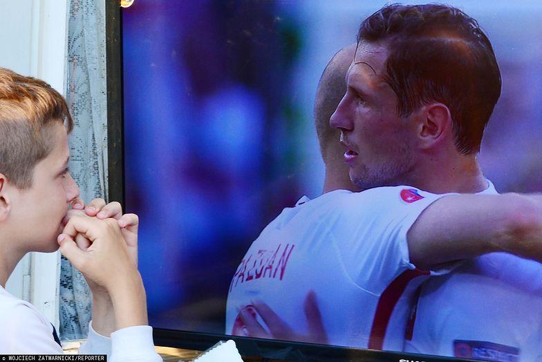 Dostępne na Cyfrowym Polsacie niemieckojęzyczne kanały ZDF i Das Erste, które transmitowały mecze Euro 2016, zostały wyłączone, co bardzo zdenerwowało abonentów