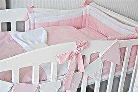 Łóżeczko dla niemowlaka marki Caramella
