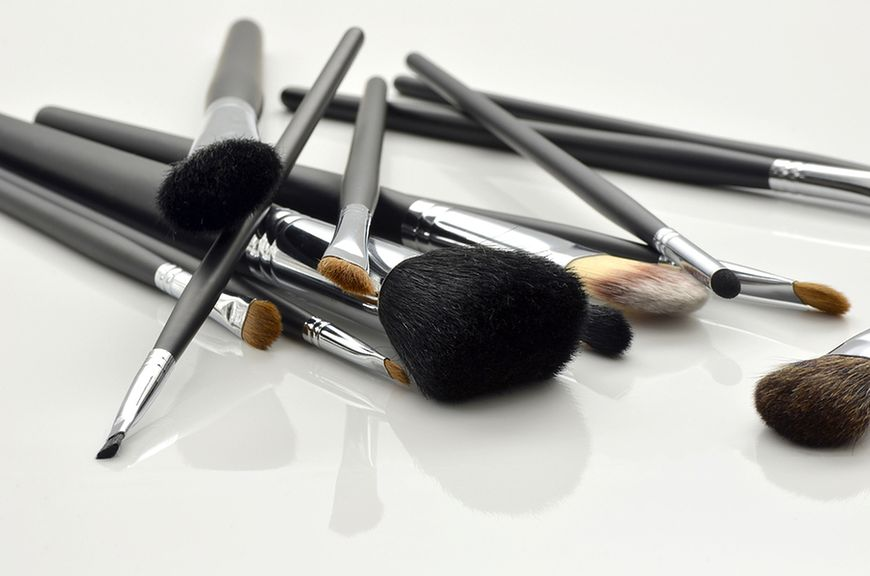 Akcesoria niezbędne do wykonania perfekcyjnego makijażu