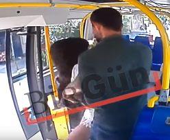 Brutalny atak w tramwaju. Uderzył kobietę w twarz i uciekł