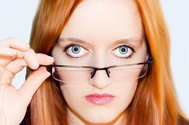 Im cieńsze oprawki tym cieńsza kreska na oku
