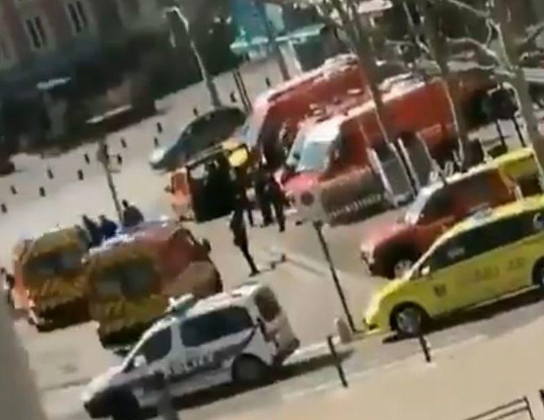 Francja. Uzbrojony sprawca zabił 2 osoby.