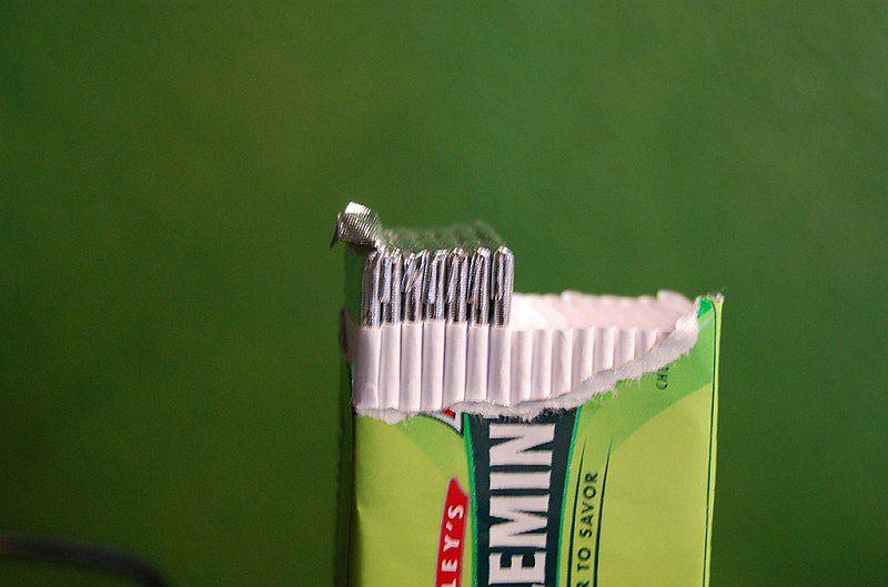 Zasady higieny jamy ustnej - guma miętowa