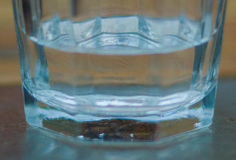 Zasady higieny jamy ustnej - woda do płukania