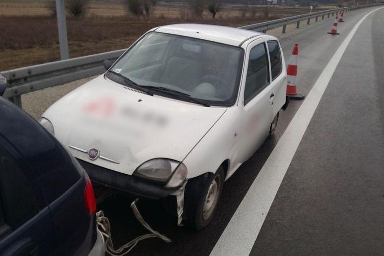 Samochód został zatrzymany przez policję