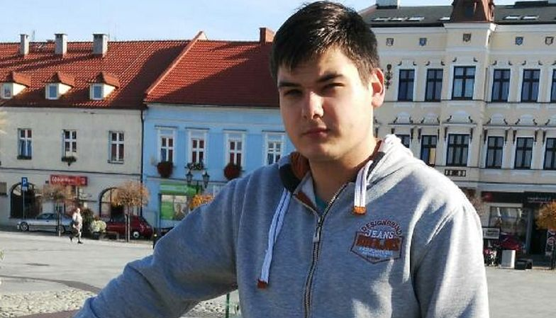 Warszawa. Na 18-latka spadł samobójca. Dramatyczna sytuacja Ukraińca
