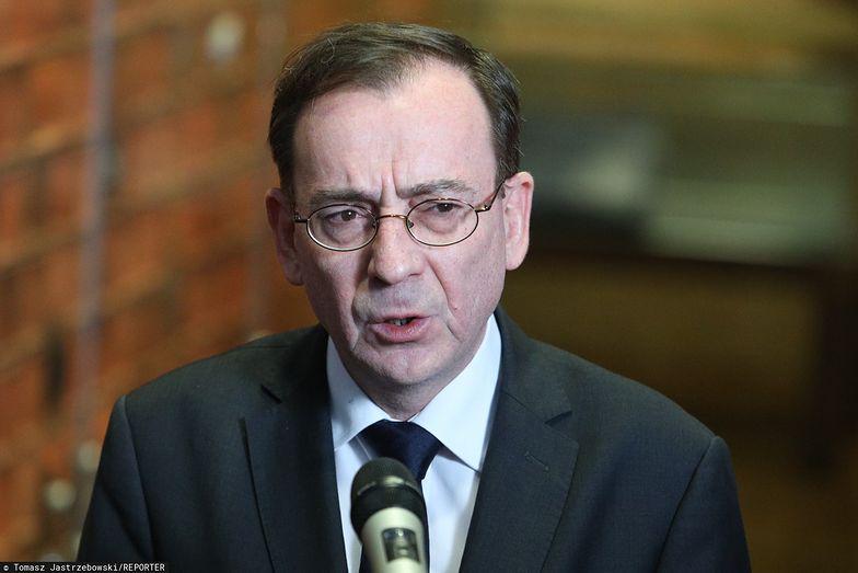 Pomysł dodatkowych funduszy dla służb specjalnych wspiera szef MSWiA Mariusz Kamiński.