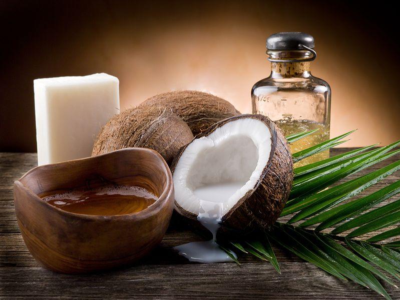 Jak wykonać różano-kokosowy balsam do ust?