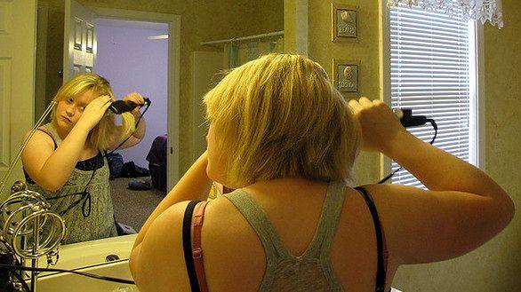 Wiele kobiet prostuje włosy