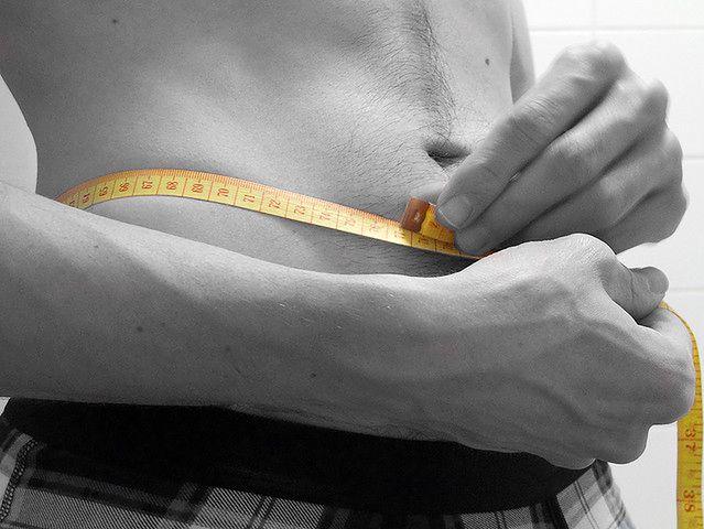 Nadwaga mężczyzn wpływa na erekcje