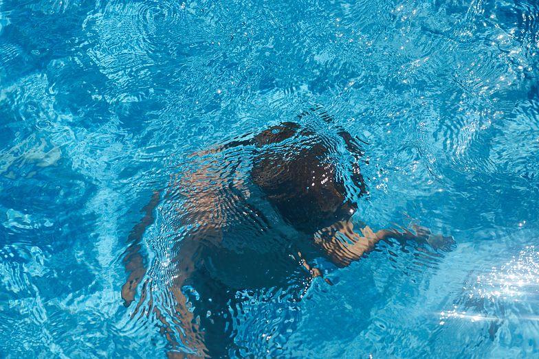 Bracia tonęli w basenie w USA. Matki nie było nawet w pobliżu