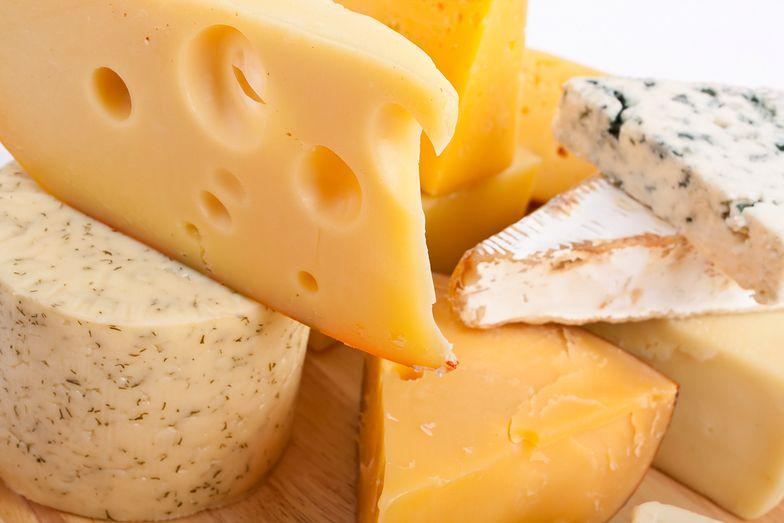 13-latek z alergią zmarł po tym, jak kolega rzucił w niego serem