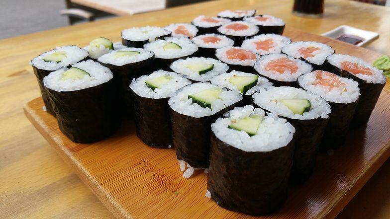 Uważaj na sushi. Może być pełne larw pasożytów
