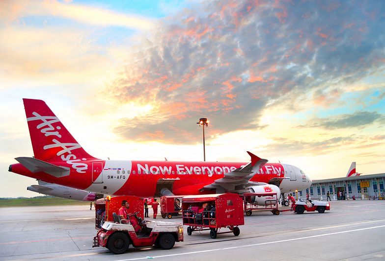 Rzecznik prasowy AirAsia przeprosił za niestosowną kampanię reklamową