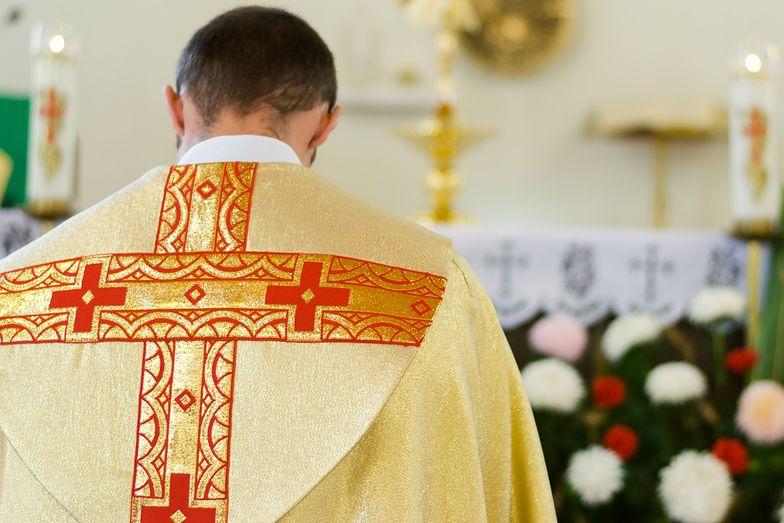 Ksiądz ma informować parafian o wpłatach na kolędzie