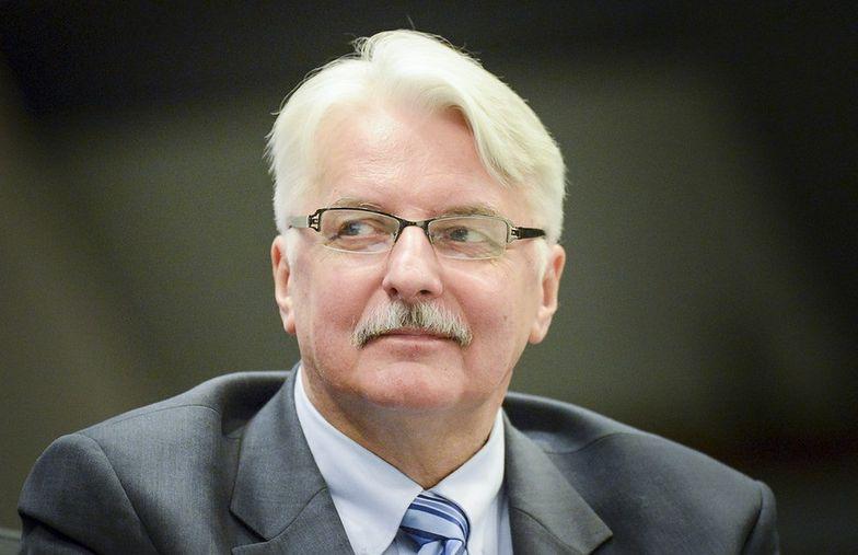 Expose szefa MSZ pod znakiem Rosji i Smoleńska. Internet komentuje