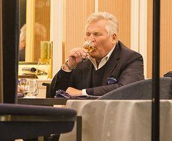 Aleksander Kwaśniewski zapewniał, że nie pije mocnych trunków. Zobacz, co robił w urodziny
