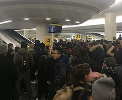Polacy koczują na lotniskach w USA. Tysiące lotów odwołane przez zimę stulecia