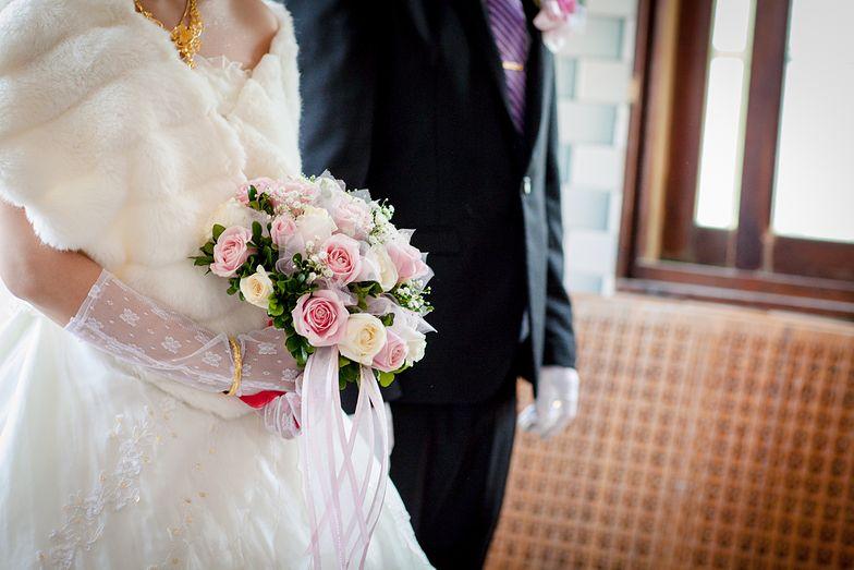 Naukowcy alarmują: co trzecia para nie korzysta z nocy poślubnej