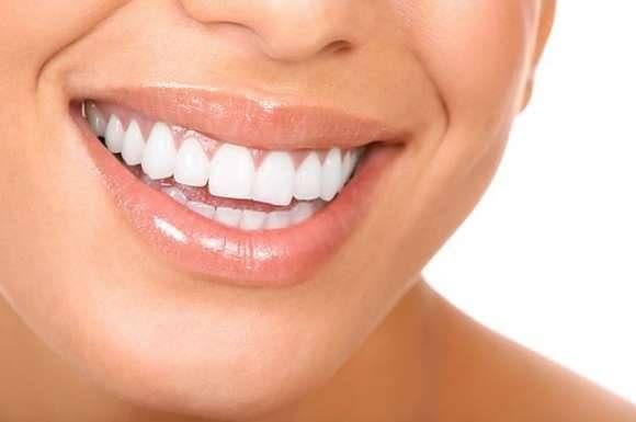 Stosowanie płynów do płukania jamy ustnej
