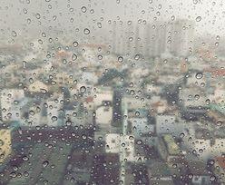 Silny wiatr i intensywne opady deszczu. Fatalne warunki pogodowe w całej Polsce