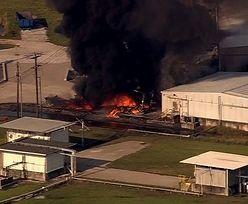 Groźny pożar uszkodzonej przez powódź fabryki chemicznej w Teksasie