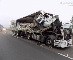 Wypadek na DK1 w Markowicach. Zderzyły się dwie ciężarówki