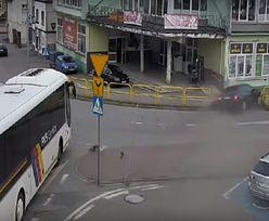 Wypadek w Miastku. O włos od tragedii na chodniku