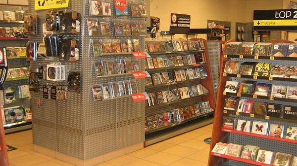 Najlepiej sprzedające się w tym roku w Polsce pudełkowe gry wideo to...
