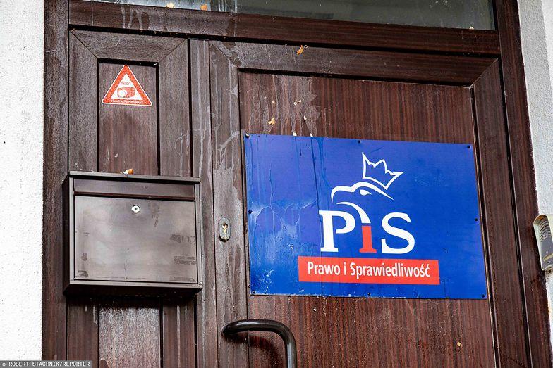 Problemy polityków PiS. Dojazd do siedziby partii utrudniony