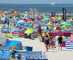 Topless albo nago nad Bałtykiem? Zakaz na plaży z zaskakującej strony