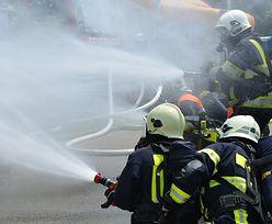Lębork: pożar kamienicy. Co najmniej 12 osób rannych, w tym dzieci