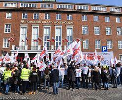 """Pikiety związkowców przed urzędami wojewódzkimi. Związkowcy domagają się """"piątki Solidarności"""""""