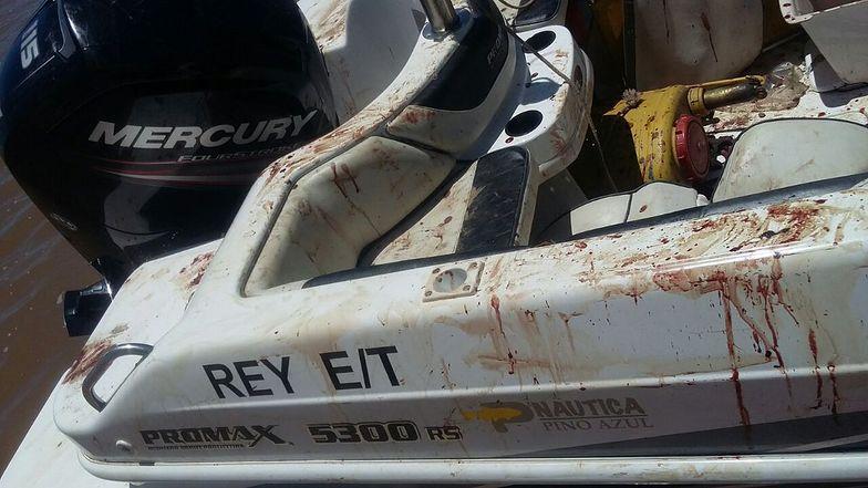 Brat Messiego jest poszukiwany przez policję. Na jego łodzi znaleziono krew i broń