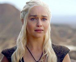"""Emilia Clarke prawie zginęła w czasie kręcenia """"Gry o tron"""". Miała tętniaki mózgu"""
