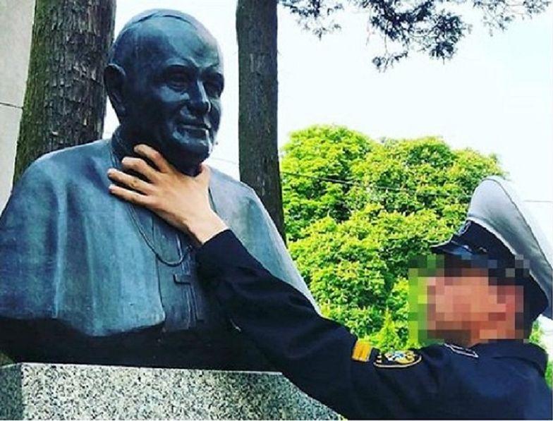 """Rosjanin """"dusił papieża Polaka"""". Stanowcza reakcja władz Świnoujścia"""
