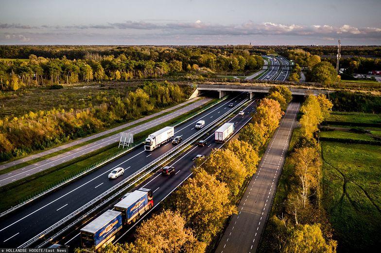 Holandia obniża maksymalną dozwoloną prędkość na swoich autostradach.