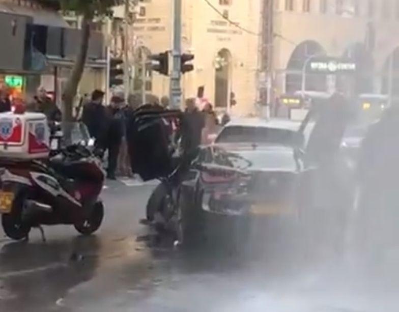 Izrael. Auto wjechało w tłum. Co najmniej 8 osób rannych