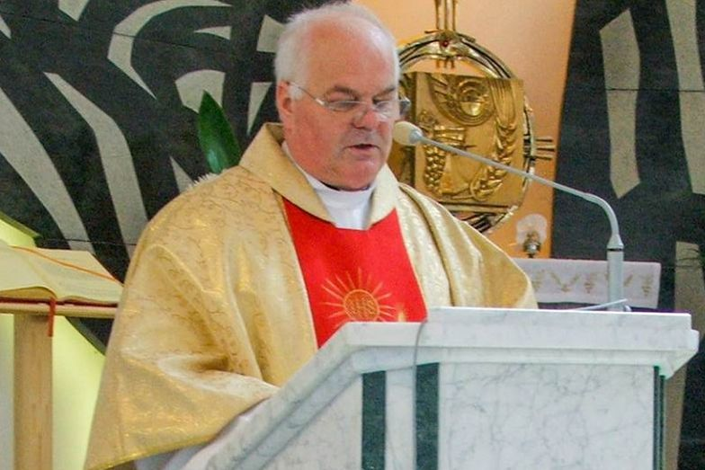 Ks. Mieczysław Bizior odmawia sakramentów za niesprzątanie kościoła