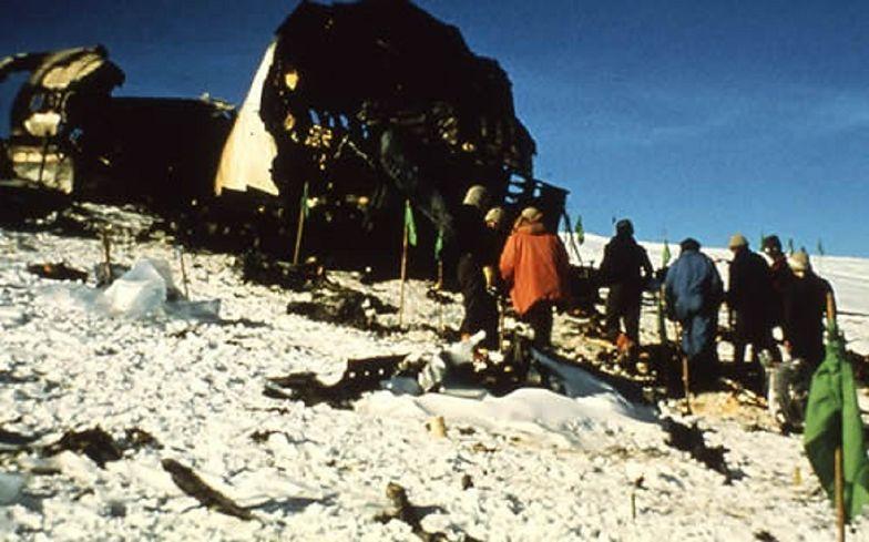 Samolot rozbił się z 257 osobami na pokładzie. Przeprosiny po 40 latach